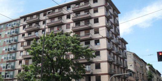 Monolocale 30mq – piano rialzato – Piazza Aspromonte 51