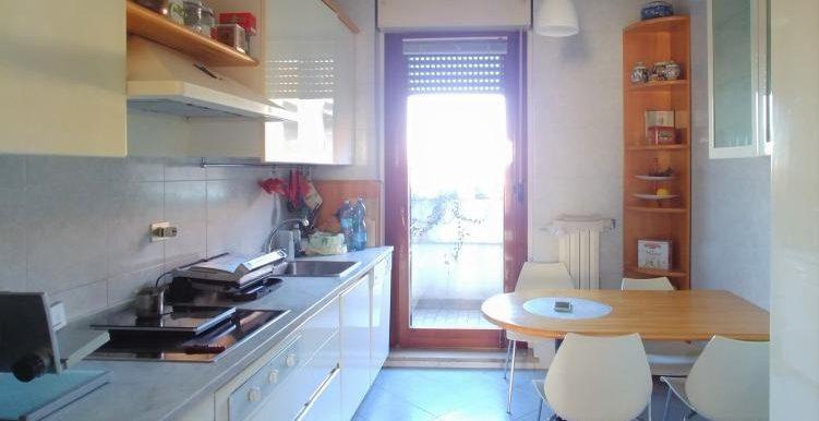 9_Cucina finestra
